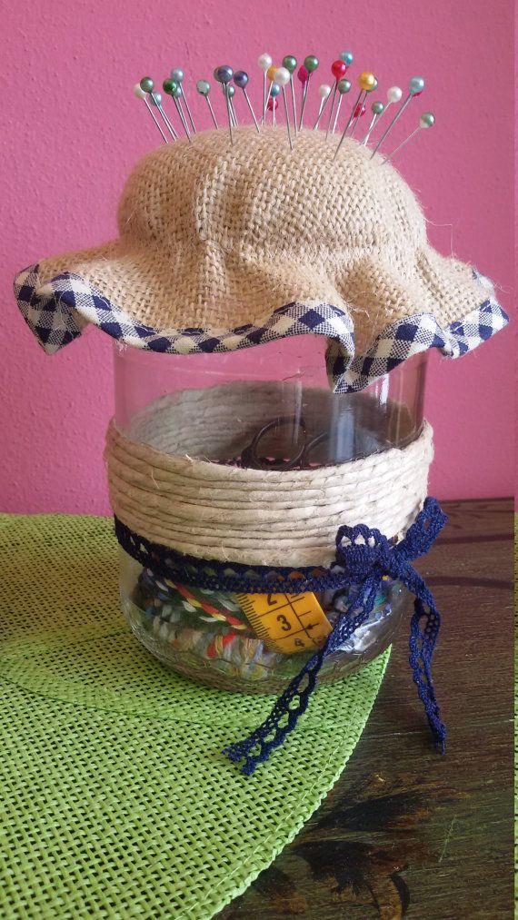 Guarda questo articolo nel mio negozio Etsy https://www.etsy.com/it/listing/268555683/sewing-kit-in-jar