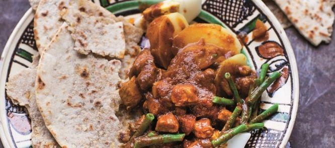 Roti Met Kip. Aardappels, Kousenband En Ei recept | Smulweb.nl