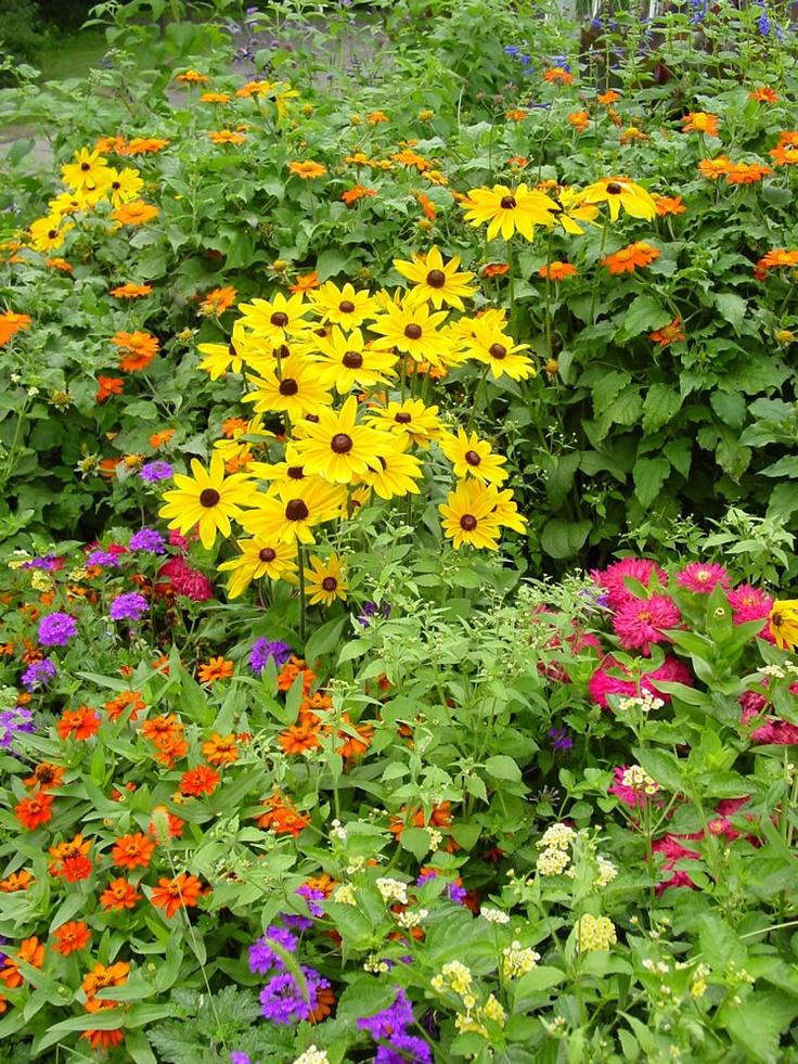 419 best garden wonderland images on pinterest for Flower garden layout ideas