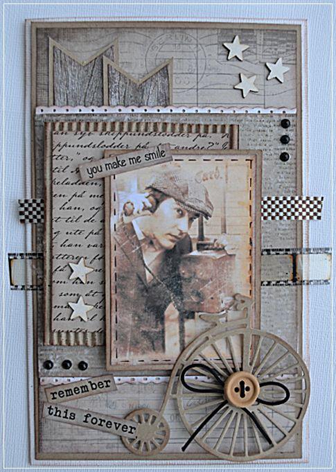 Et kort laget med ark fra 7 Dots Studio og   Papirdesign   Bilde fra Digital Paper.   Film stripe Tim Holst.   Stjerner Wycinanka....