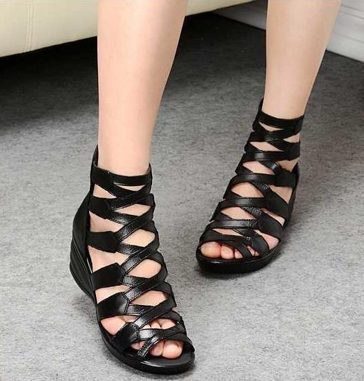 2016 Moda verão sandálias de couro genuíno sola macia mãe sapatos confortáveis cunhas dedo aberto sandálias flat