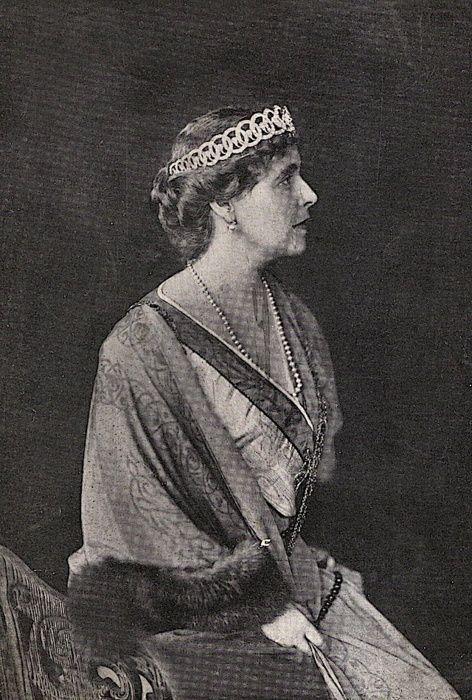 Queen Marie of Romania, 1915.