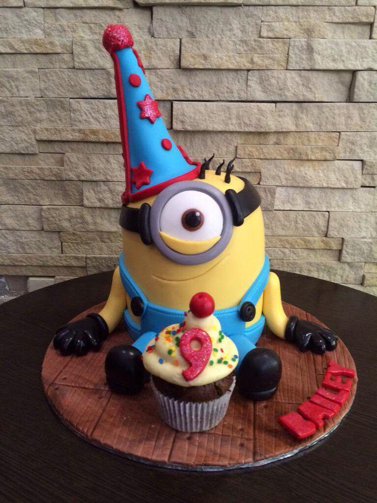 Party Minion cake
