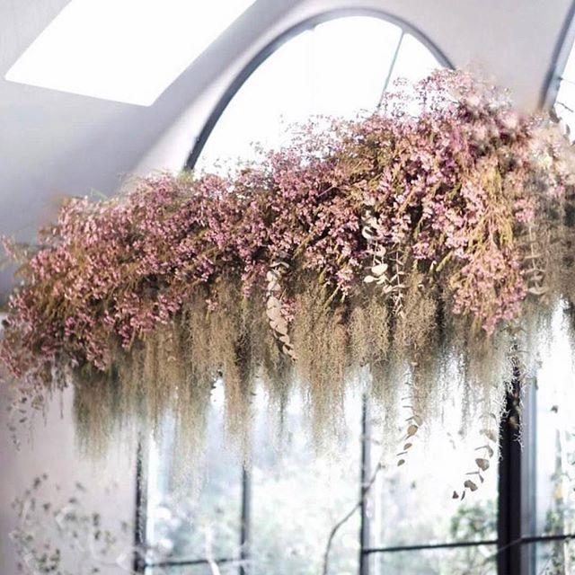 • BLOOMS • Blush tones for this wedding installation •  Image via @la_bespoke• #florals #weddingflowers #blushtones #blush #flowers #weddingstyling #weddingreception    #Regram via @onedaybridal