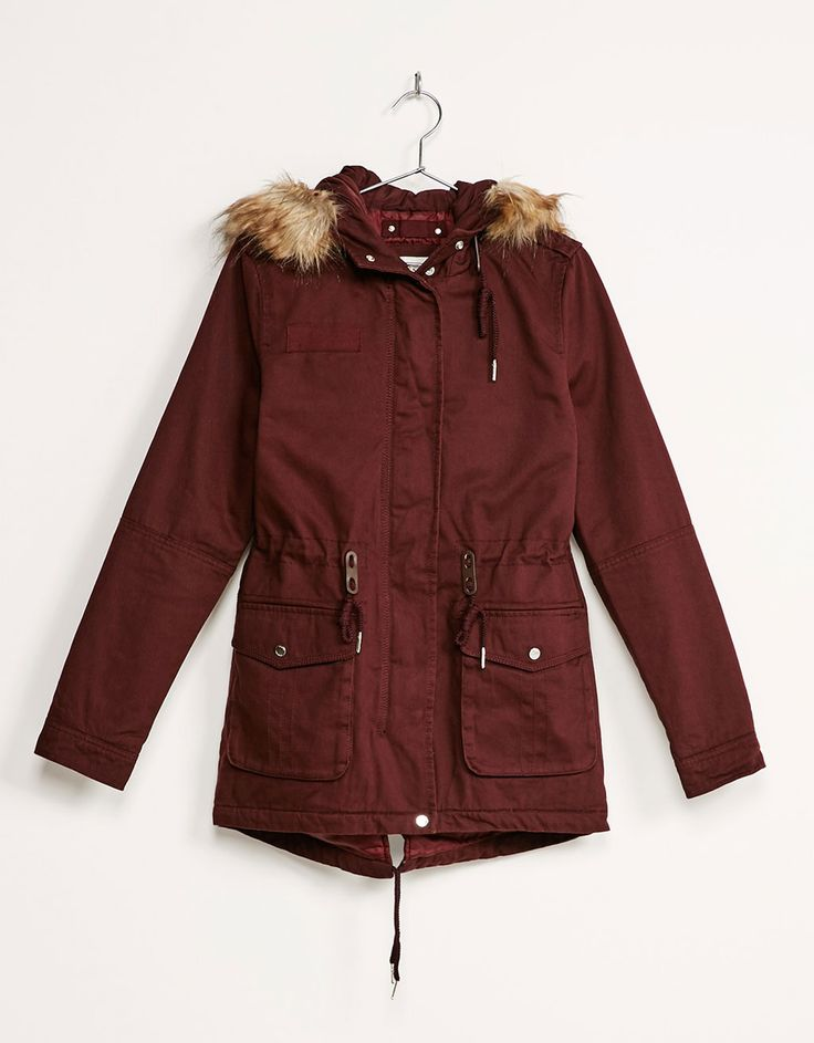 Parka algodón. Descubre ésta y muchas otras prendas en Bershka con nuevos productos cada semana