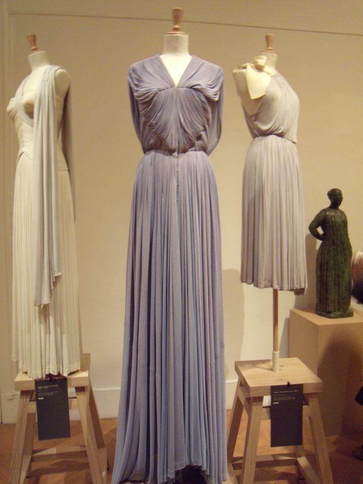 Robe drapée grise GRES photo DEFILE DE MARQUES