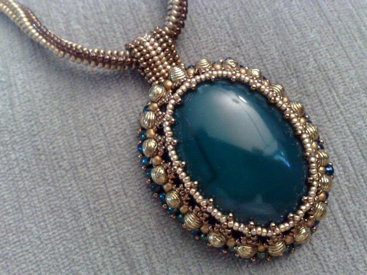 Free Jewelry Tutorials   ... make your own precious jewelry - FREE tutorials, lessons & articles