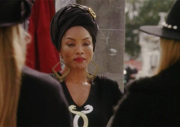 Ahs Coven GIFs - Find & Share on GIPHY  |Angela Bassett American Horror Story Hair