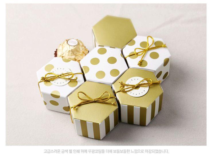 Voor onmiddellijke verpakking en handwerk. Voedsel zeewieren, zeewieren, sieraden, verjaardag, verjaardag, Gift Kerst, Pasen, Wedding, Engagement, dank u, nieuwe Baby, Love & Romance, Afstuderen, Good Luck, krijgen goed, Moederdag, Vaderdag, gefeliciteerd, handwerk, enz.  Papier: Koninklijke ivoor Grootte: 4.3 X 4,8 cm X 3 cm (voor 1 FERRERO ROCHER / 5 kussen) Aantal: 50 stuks (niet gemonteerd) Kleur: Zie de bovenstaande foto De kleuren kunnen afwijken van uw scherm te wijten aan de…