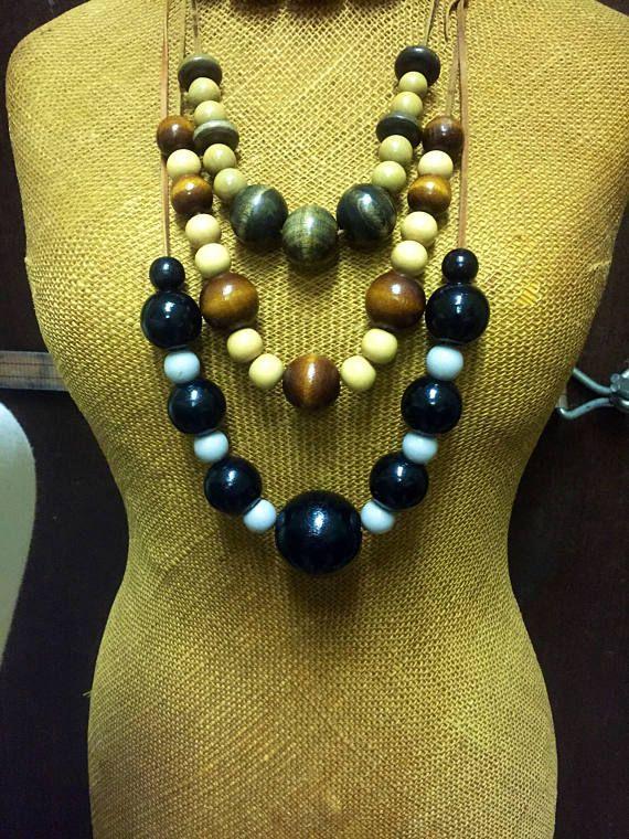 Vintage/large/wooden bead necklace/boho/black and