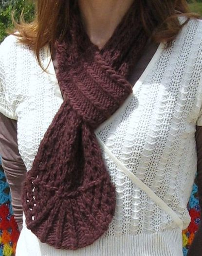 Free Knitting Pattern for Farmer's Market Keyhole Scarf - Knit all in one piece with a decorative counterpane edge on one end and a loop on the other, this scarf is a quick knit in bulky yarn. Designed by Rebecca Shepler