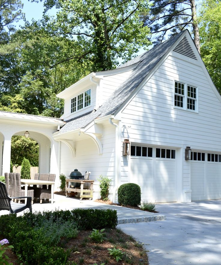 Best 10 carriage house ideas on pinterest carriage for Separate garage