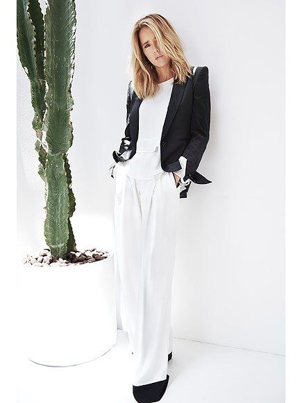 """Every mistake, every sunburn, every stress, every beautiful moment, every minute of a 30-hour labor [ ] I'm wearing it,"" Tea Leoni tells emmy magazine"