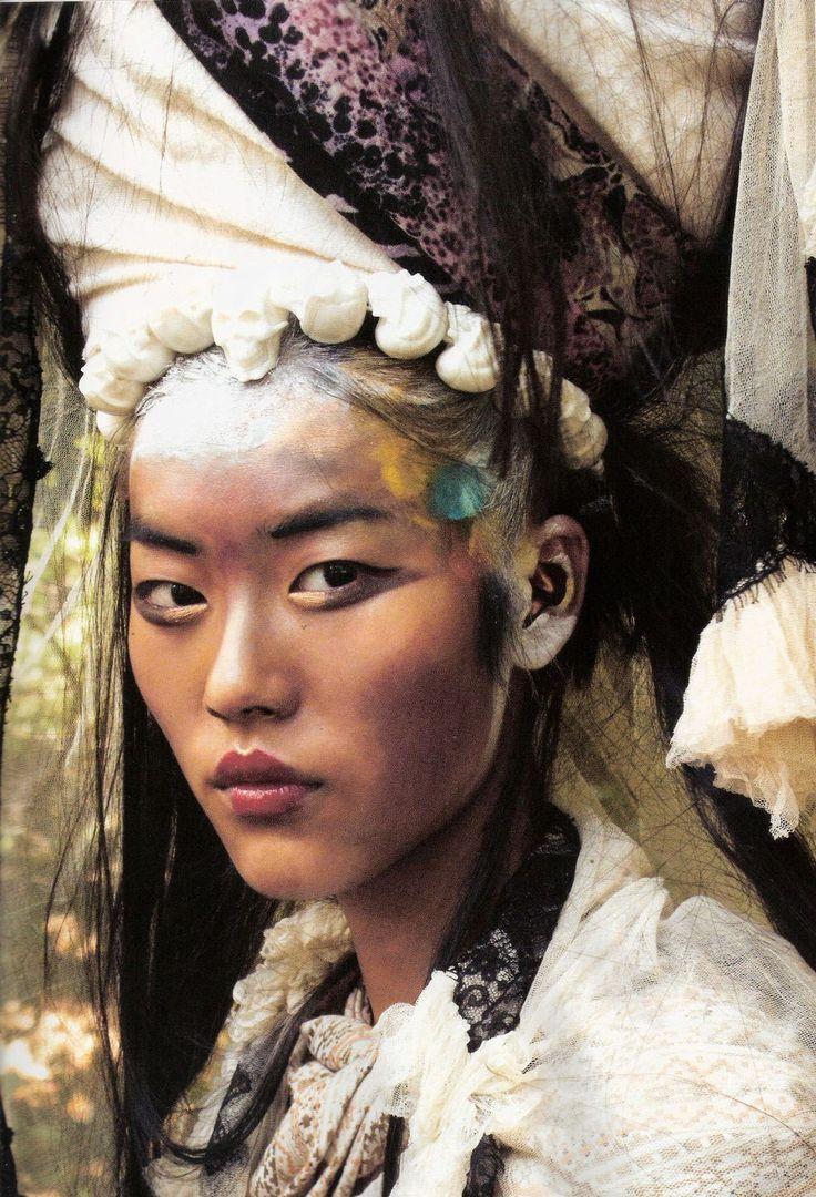 "Liu Wen/ ""Nomadas"" Vogue España.  Coco-Lagerfeld:"