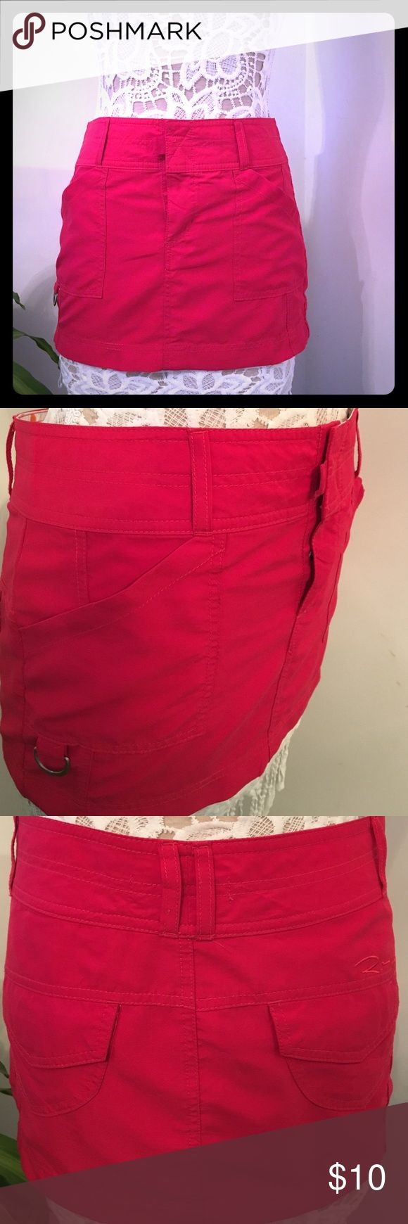 Fun, Sexy, Mini skirt Summer is year round with this gorgeous, fun and sexy little mini. Preloved with no signs of wear, stains, discoloration , or snags. In great condition. 💯Polyester Roxy Skirts Mini