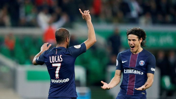 Doubles from Edinson Cavani and Lucas Moura keep PSG alive in Ligue 1