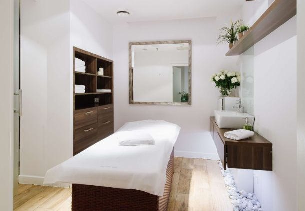 Warsaw hotel spa treatment room