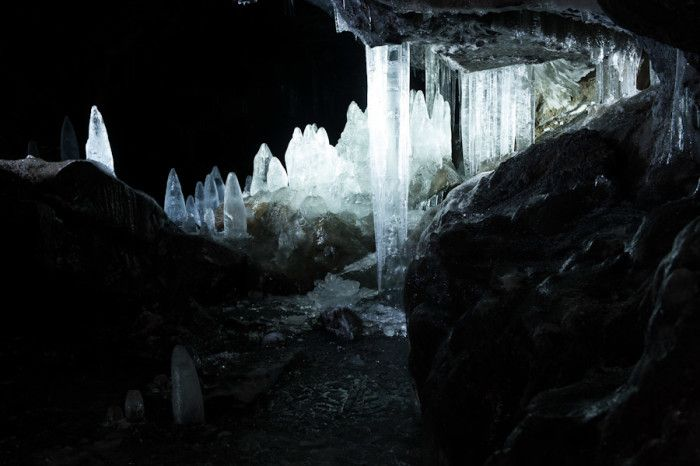 While Washington has numerous caverns including the Ape Caves and Big Four Ice Caves, there are none quite like the Guler Ice Caves located in the Gifford Pinchot National Forest not far from Trout Lake! These unique lava tubes are filled with awe-inspiring ice formations nearly year round and can make for an unforgettable Northwest adventure