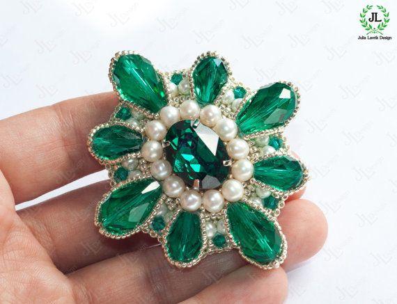 Emerald green Brooch Silver Victorian jewelry Pearl Brooch Baroque jewelry Crystal brooch Pin Swarovski bridal jewelry Bridesmaid gift mom