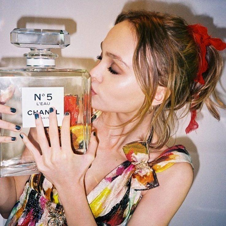 Lily-Rose Depp Chanel No 5
