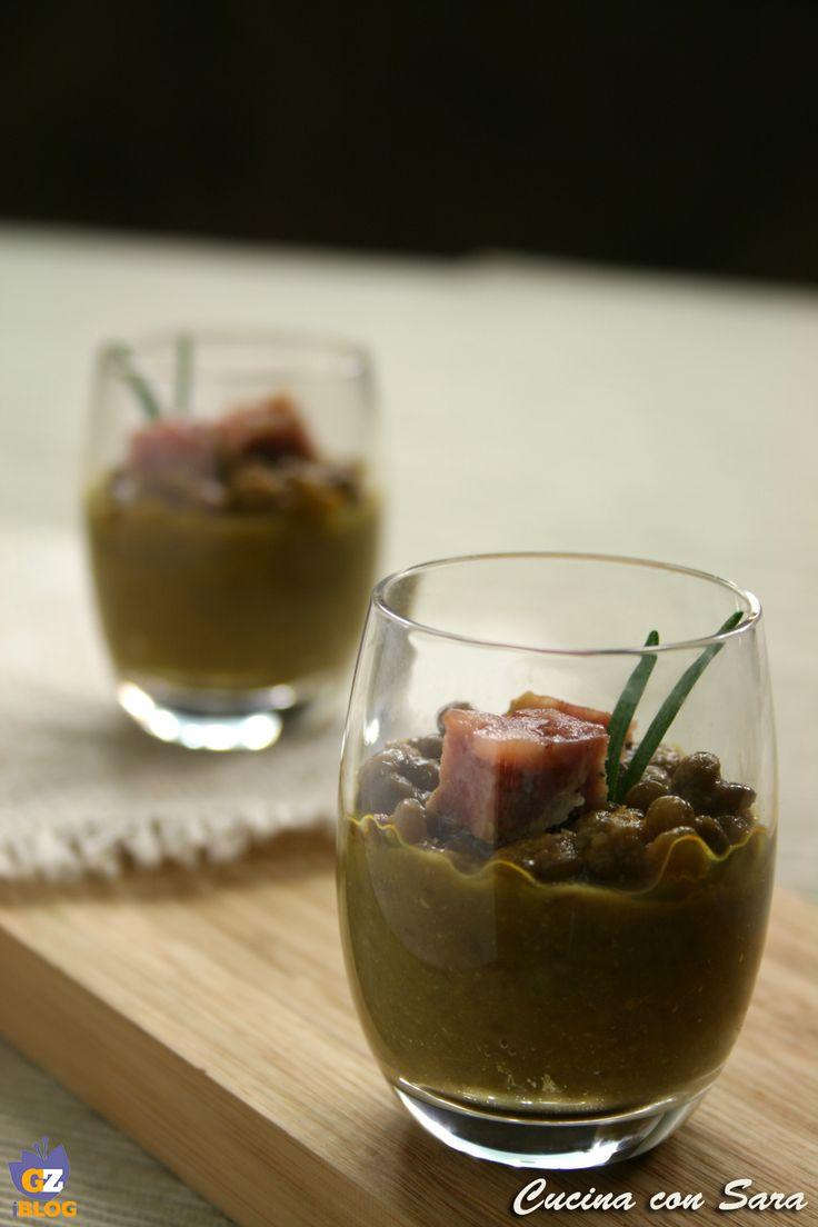 Crema di lenticchie e cotechino - ricetta finger food. Ricetta qui: http://blog.giallozafferano.it/cucinaconsara/crema-di-lenticchie-e-cotechino-ricetta-finger-food/