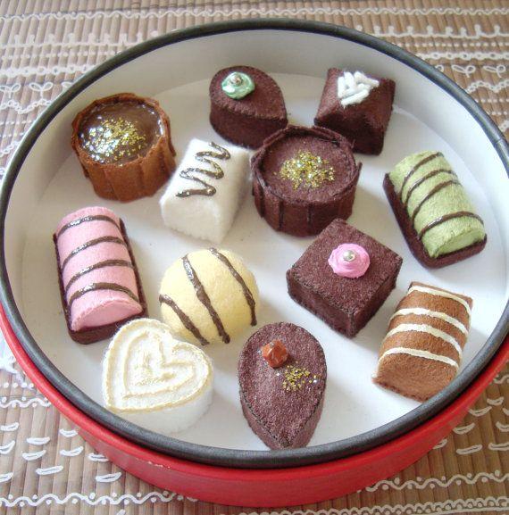 Tutoriel feutrine chocolats  felt patterns chocolates by assobo, $8.00