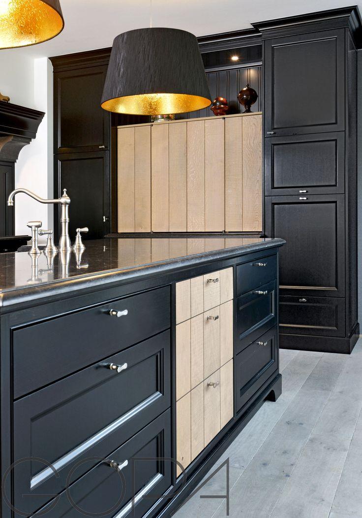 Zwarte landelijke keuken met houten accenten landelijke keukens pinterest - Zwarte houten keuken ...