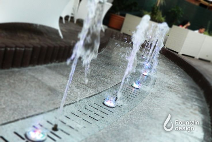 Lounge bar fountain, Daf Junior