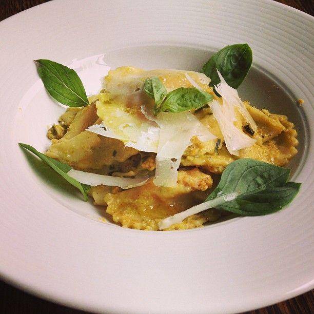 Butternut ravioli with Basil pesto sauce. #foodporn #pasta #ravioli #pesto #theonek