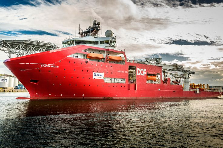https://flic.kr/p/tAjyTm | Skandi Arctic | IMO:  9413822 MMSI:  311023800 Call Sign:  C6XW3 Flag:  Bahamas (BS) AIS Type:  Dive Support Vessel Gross Tonnage:  18640 Deadweight:  11000 t Length × Breadth:  156.9m × 31.2m Year Built:  2009