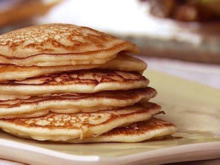 Pfannkuchen aus Haferflocken ohne Mehl - Rezept. Auf folgende Seite finden Sie den Rezept für leckere kalorienarme Pfannkuchen aus Haferflocken ohne Mehl.