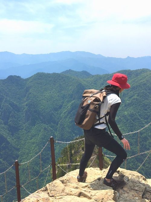 大台ケ原登りました。 崖の先端まで行けました。 岩ツルツルテンでよく立てた私