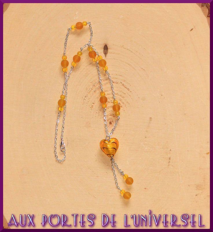 Sautoir jaune, perles en verre et coeur en murano : Collier par portes-universel