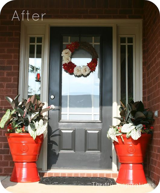 Sprucing With Spray Paint {Front Door} -: Sprays, Glimpse Inside, Paint Front Doors, Color, Guest Post, Thrifty Inspirations, Sprucing