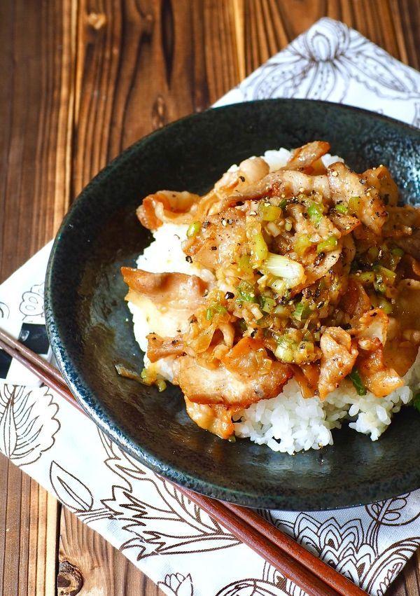 女だって簡単で美味しい「ガッツリ丼」が食べたいときってありますよね♡食べたらハマるおすすめのレシピをご紹介していきます。料理を頑張りたくない休日のランチにもぴったりです。
