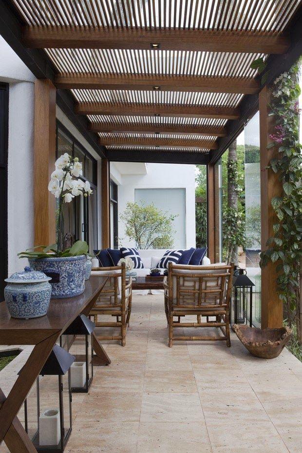 vivendo no meio do verde   É fantástico este projeto das arquitetas Andrea Teixeira e Fernanda Negrelli , que atendendo aos desejos da propr...