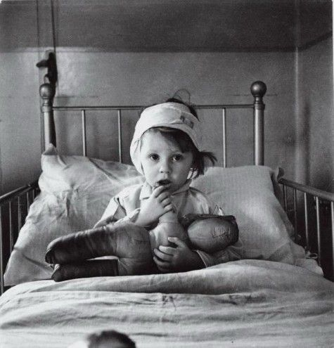 Cecil Beaton photographs little 3 year old Eileen Dunne, who had been hospitalised after being caught up in the Blitz. This picture graced the cover of LIFE magazine, and was an effective propaganda tool in getting the US to join the war effort.