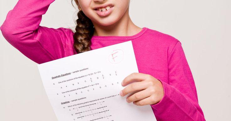 """Como ensinar matemática a crianças de 7 anos. Muitas crianças têm dificuldades para aprender matemática. Por ser uma matéria muito importante, o estudante que fica para trás no primeiro ano fica destinado muitas vezes a ser """"devagar"""" na disciplina pelo resto de sua vida escolar. Mas não precisa ser assim. Com esforço e boa vontade, você pode ajudar uma criança de 7 anos a se aperfeiçoar em ..."""