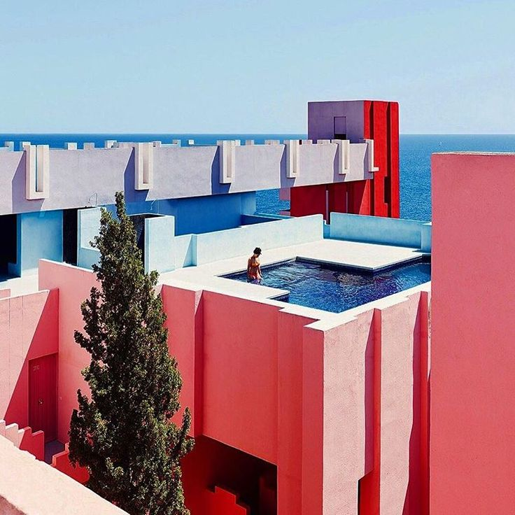 Would love to see this in person one day: La Muralla Roja, Spanish for 'The Red Wall,' located within the La Manzanera development in Spain's Calpe #lamurallaroja #theredwall #spain