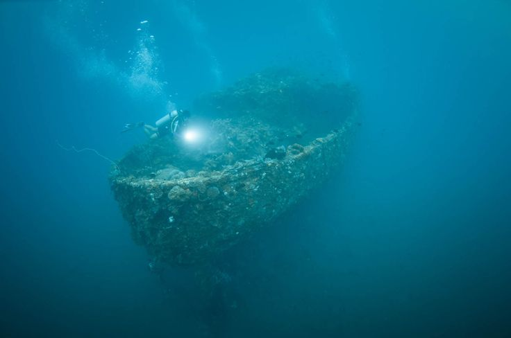 Ship wreck at Sangihe-Indonesia  pinneng Photography