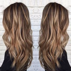 Blonde highlights on medium brown hair.   By @sarah_peck  #brunettewithhighlights #brownhairwithhighlights