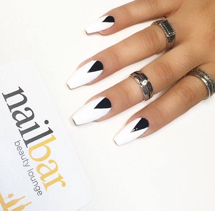 Long and squared nails. Kylie Jenner style