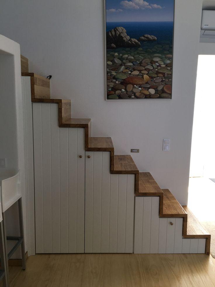 Μπροστά στη μαρίνα | In front of the marina | wooden staircase with storage cupboard and cellar | kritikoswood | Accoya