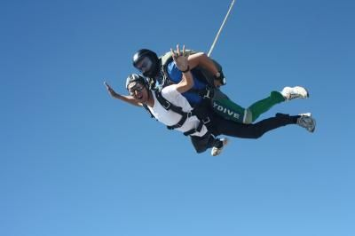 Skydiving is to make a jump to parachute from an air transport either a sporting, recreational purposes or as a transport. :-  #Skydiving_Los_Angeles #Sky_Dive_Schools #Skydive_Tandem