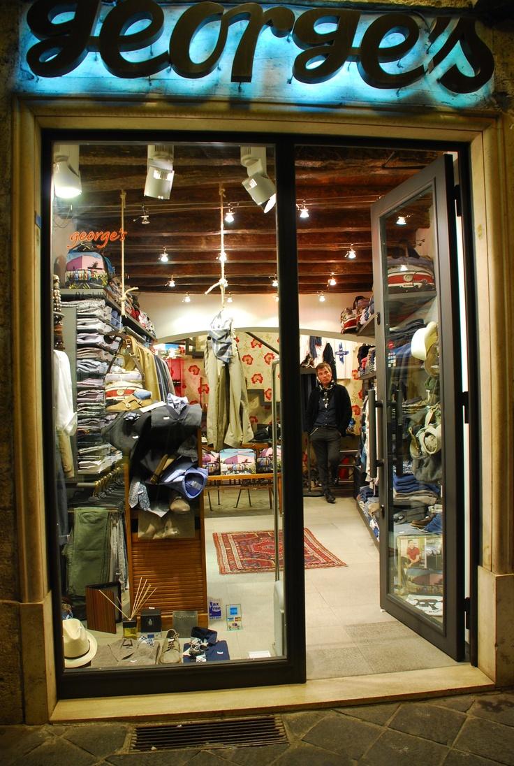 Due negozi dedicati ad uno stile innovativo e metropolitano.  https://www.facebook.com/pages/Georges-Roma-boutique-uomo/98006805301
