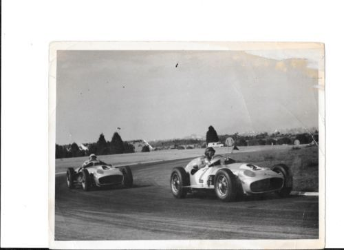 JUAN-FANGIO-STIRLING-MOSS-MERCEDES-W196-BUENOS-AIRES-GP-1955-PHOTOGRAPH-FOTO