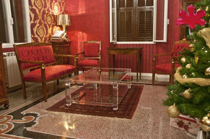 Acrylic interiors - Lucite Acrylic coffe table - TAVOLINI DA SALOTTO IN PLEXIGLASS | Tavolo trasparente in plexiglas 01.mod. A DUE TELAI   | Tavolino plexiglass cm.130 x 80 h.42 - telai sp.mm.25 - gambe sez.mm.60 - gola singola sulle gambe #lucite #design #homedecor #acrylic