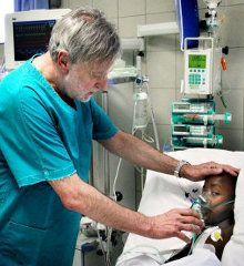 """""""Se la salute diventa un business, se un paziente è un cliente, è la fine della medicina"""" - Gino Strada su Le Scienze (leggi lìintervista completa su http://www.lescienze.it/news/2014/02/08/news/gino_strada_centri_eccellenza_africa_chirurgia_sanit-2003267/ )"""