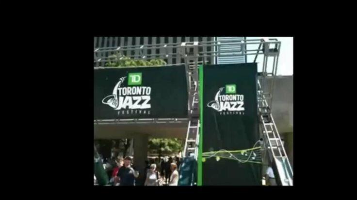 Джаз музыка, джаз гитара и фестиваль джаза в Торонто.  1500 музыкантов на джаз фестивале в Торонто.  Джаз видео. На 350 концертах играют 1 500 музыкантов  и на 40 сценах в Торонто. За 2 недели на большом  фестивале джаз музыки в Торонто в 2014 г. В 1987 г. главный гость - Майлз Дэвис! Miles Davis. Это видео для вас и ваших друзей в соц сетях, поделитесь  с ними этим видео, будьте полезными своим друзьям.