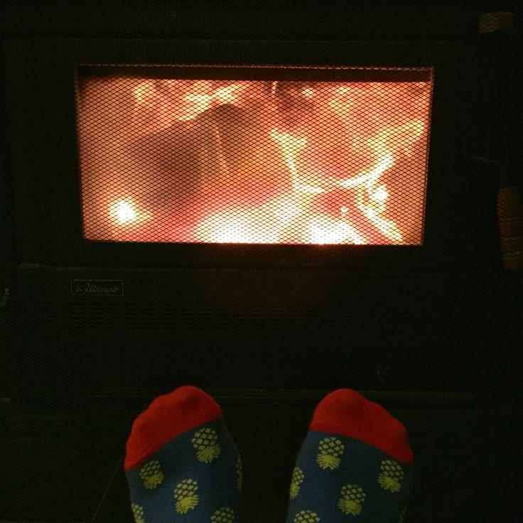Toasty warm pineapple toes in my fantastic fantastically fabulous #footcardigan socks!